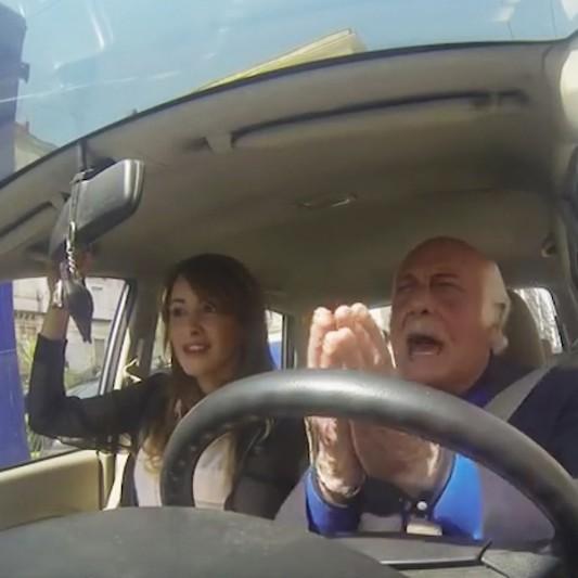 Nonno impazzisce nel traffico